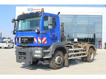 Hook lift truck MAN TGM 18.290 4x4 BB, WHEELS 90%