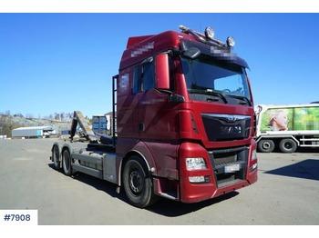Hook lift truck MAN TGX 28.480