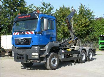 Hook lift truck MAN TG-S 26.480 6x6 BL Abrollkipper Schub/Knickarm