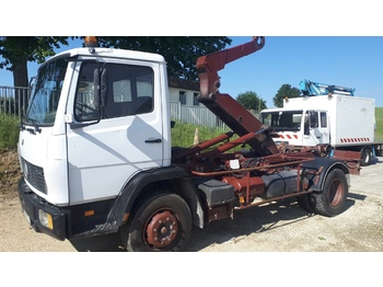 Mercedes 1317 - hook lift truck