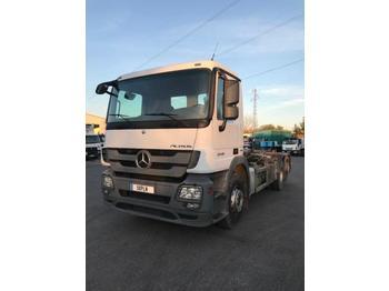 Hook lift truck Mercedes Actros 2548