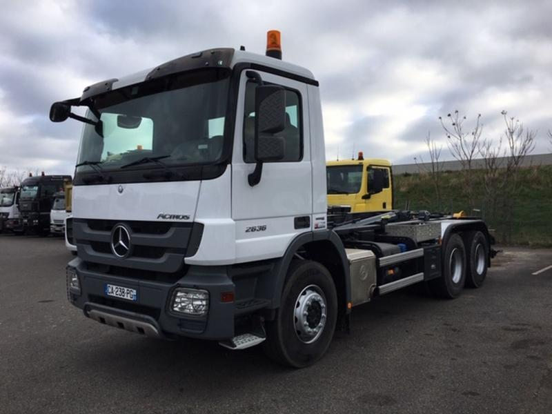 hook lift truck Mercedes Actros 2636