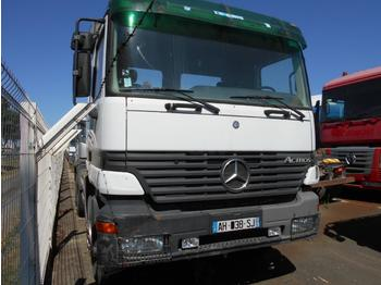 Hook lift truck Mercedes Actros 3331: picture 2