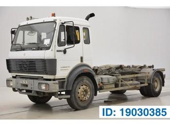 Hook lift truck Mercedes-Benz 2038