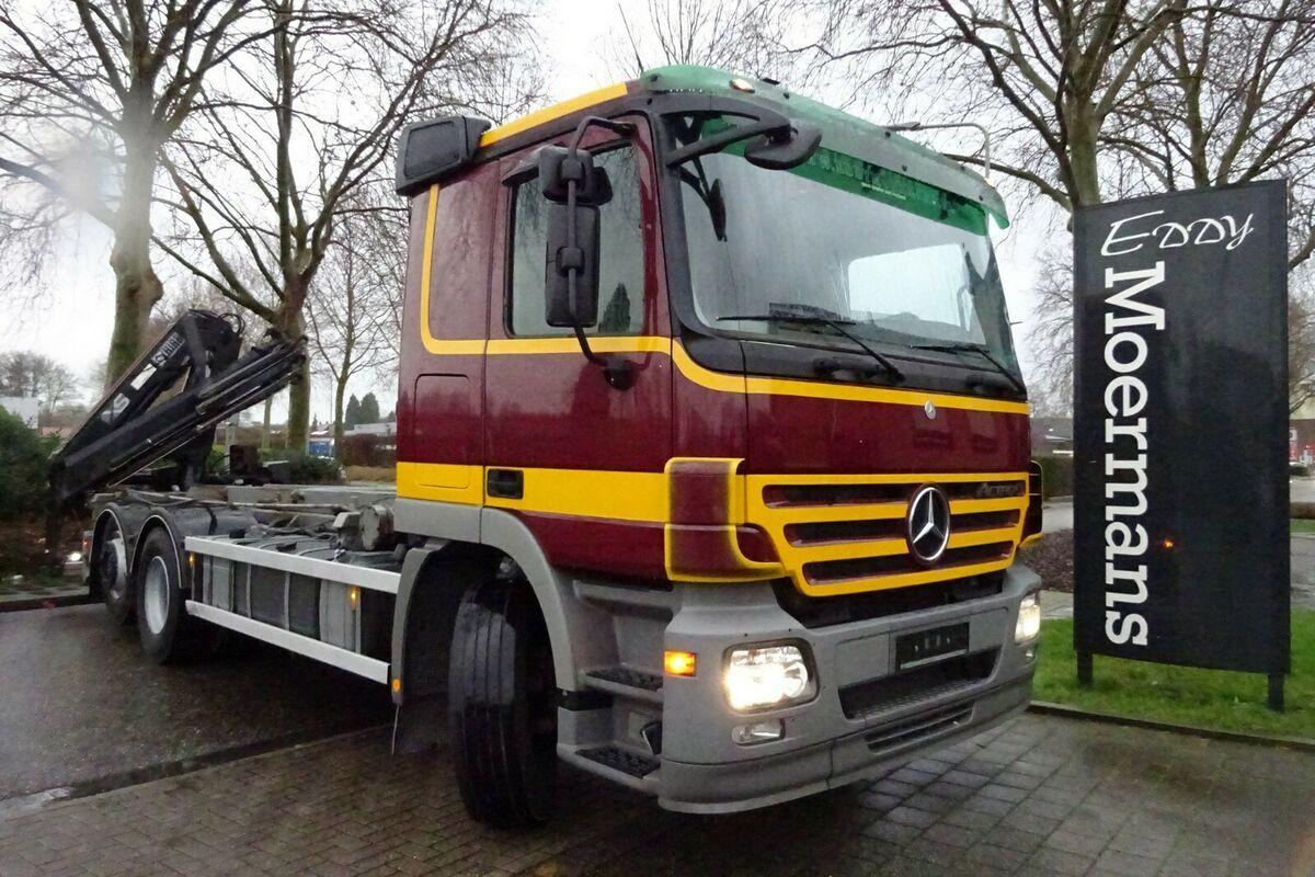 hook lift truck Mercedes-Benz 2546 6x2 Abrollkipper Mit Kran