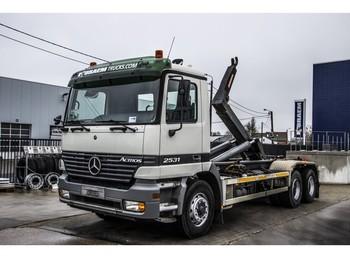 Hook lift truck Mercedes-Benz ACTROS 2531 L