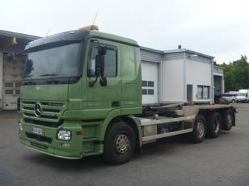 Mercedes Benz ACTROS 3244 8X2 - hook lift truck