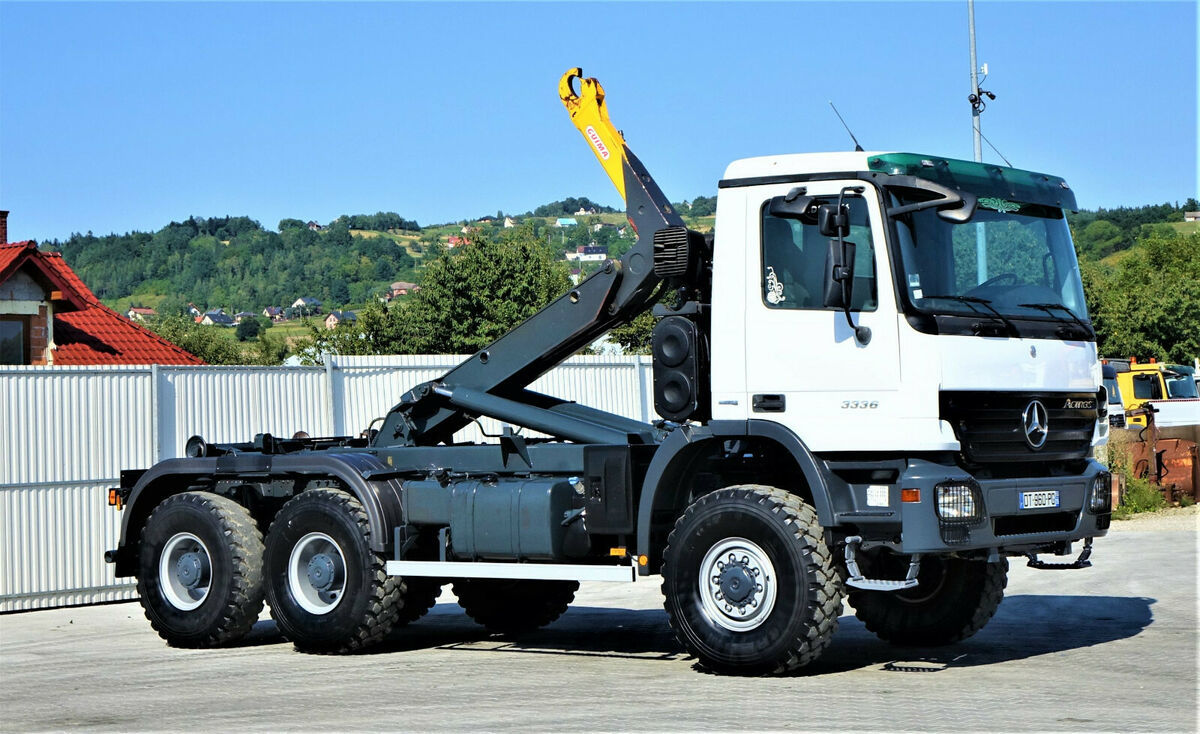 Mercedes Benz Actros 3336 Abrollkipper 6 40m Top Zustand 6x6 Hook Lift Truck From Poland For Sale At Truck1 Id 4706286