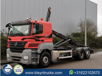 Hook lift truck Mercedes-Benz AXOR 2543 6x2 e5 retarder eps