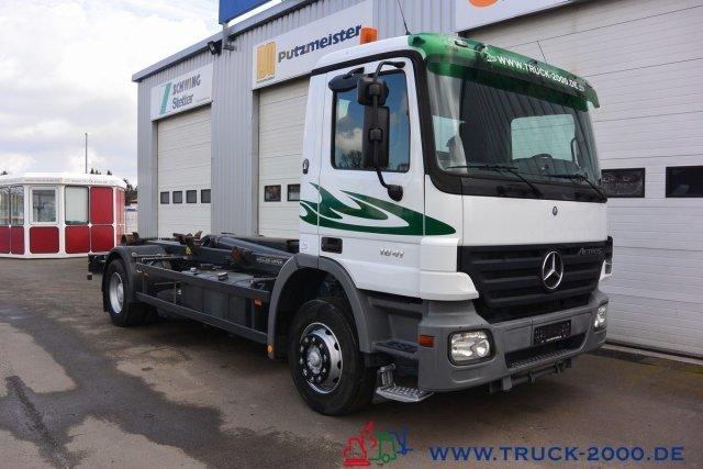 hook lift truck Mercedes-Benz Actros 1841 Meiller RK 20.65 1. Hand Scheckheft