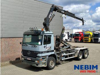 Hook lift truck Mercedes-Benz Actros 2540 6x2 - HIAB 140AW CRANE