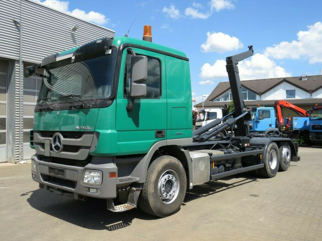 hook lift truck Mercedes-Benz Actros 2546 L 6x2  Abrollkipper Retarder