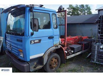 Hook lift truck Renault 7,5 tonner