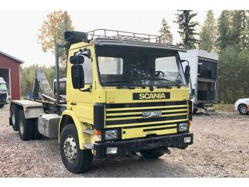 Hook lift truck Scania P 112