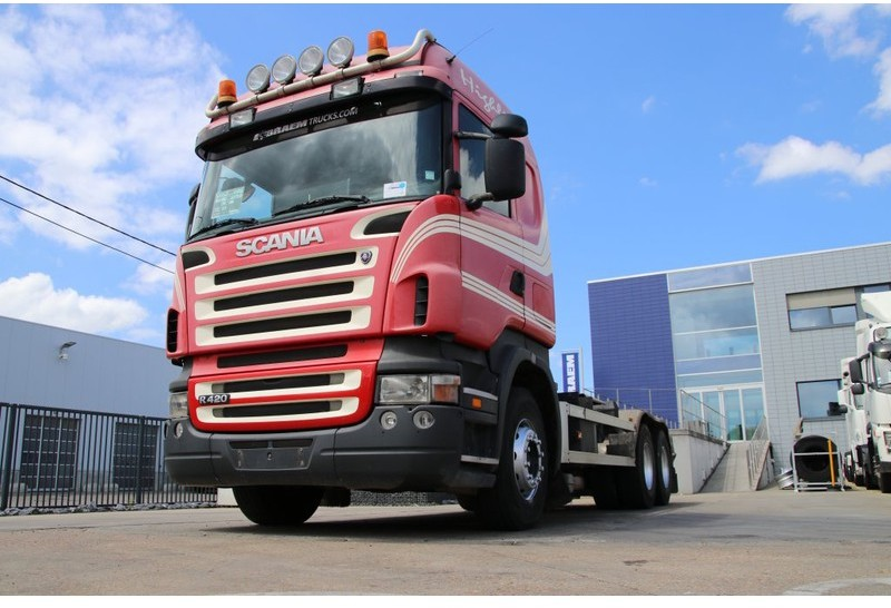 hook lift truck Scania R420 + 10 Tires + Hooklift