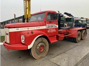Hook lift truck Scania T111