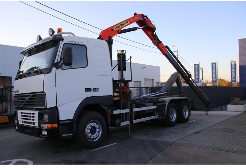 hook lift truck Volvo FH12.420 - PALFINGER PK11001