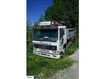 Hook lift truck Volvo FL12