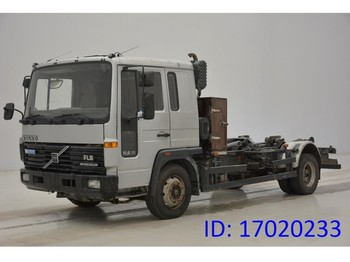 Hook lift truck Volvo FL 608