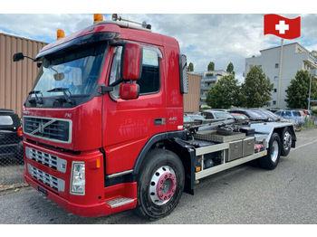 Volvo FM440.  6x2  - hook lift truck