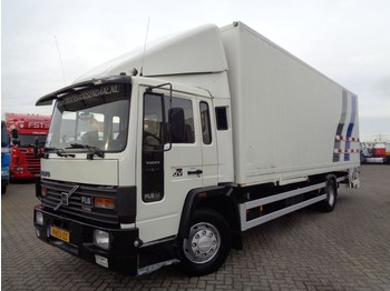 Volvo FL614 + Manual + Horse transport - livestock truck