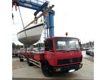 Truck Mercedes-Benz 814 Bootstransporter