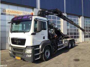 Skip loader truck MAN TGS 26.320 Hiab 16 ton/meter laadkraan