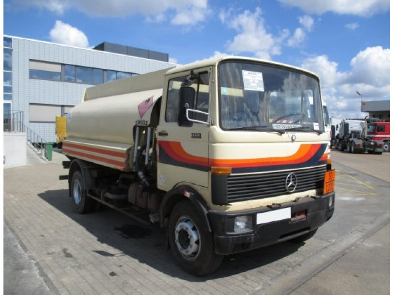 Mercedes benz 1113 truck parts for Mercedes benz truck parts