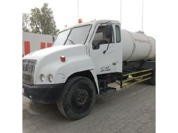 Tank truck 2000 Western Star 6x4 2500 Gallon Water Tanker: picture 1