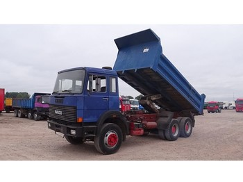Iveco Magirus 260-34 (GRAND PONT / SUSPENSION LAMES) - tipper