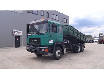 Tipper MAN 26.362 (BIG AXLES / FULL STEEL SUSPENSION / 6 CYLINDER WITH MANUAL PUMP)