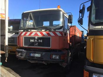 MAN F2000 33.322 - tipper