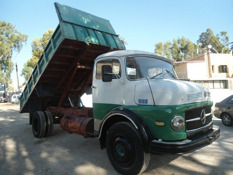 Mercedes benz 911 tipper truck for sale in germany for Used mercedes benz trucks for sale in germany