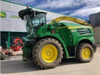 John Deere 8200 - combină de recoltat furaj