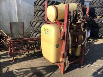 Maşină de erbicidat tractata Hardi LX800