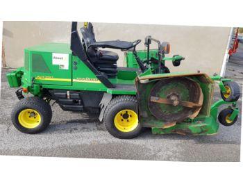 John Deere  - maşină de tuns iarba