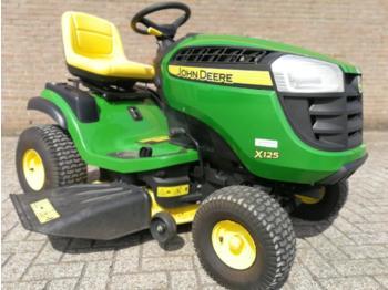 John Deere X125 - maşină de tuns iarba