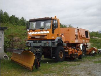 IVECO BUCHER SHØRLING P 17C / RUNWAY BLOWER / PLOW - utility/ special vehicle