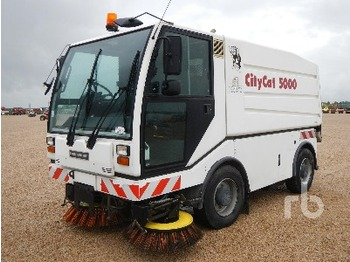 Bucher CC5000 4X4X4 - sweeper