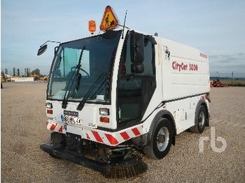 Bucher CITYCAT 5000 4X4X4 - sweeper