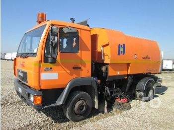 Man SILENT 12-163 4X2 sweeper from Italy for sale at ...