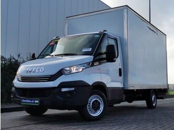 Box van Iveco Daily 35S16 bakwagen + laadklep