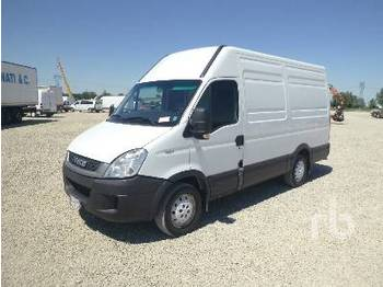 IVECO DAILY 35S11 - closed box van