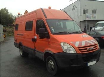 Iveco DAILY 2.3 HPI  - closed box van