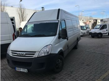 Closed box van Iveco Daily 35C15