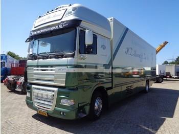 Вантажівка з закритим кузовом DAF XF105.410 + Euro 5
