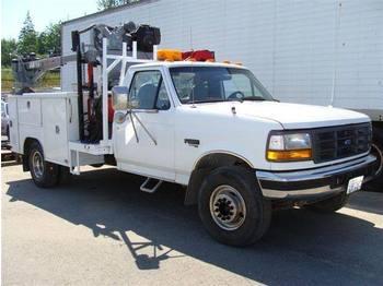 FORD F450 - kabiinišassiiga veoauto