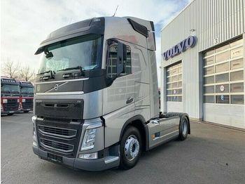 Volvo FH500/Globe./VEB+/Spurhalteassi. Seitenverkleidu  - влекач