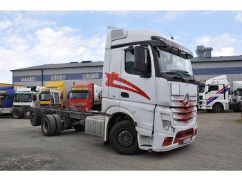 MERCEDES-BENZ 2545 / 963-0-C 6X2 - chassis vrachtwagen