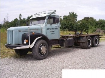 Scania LS 110 6x2 Veteran Torpedo Gestell - chassis vrachtwagen